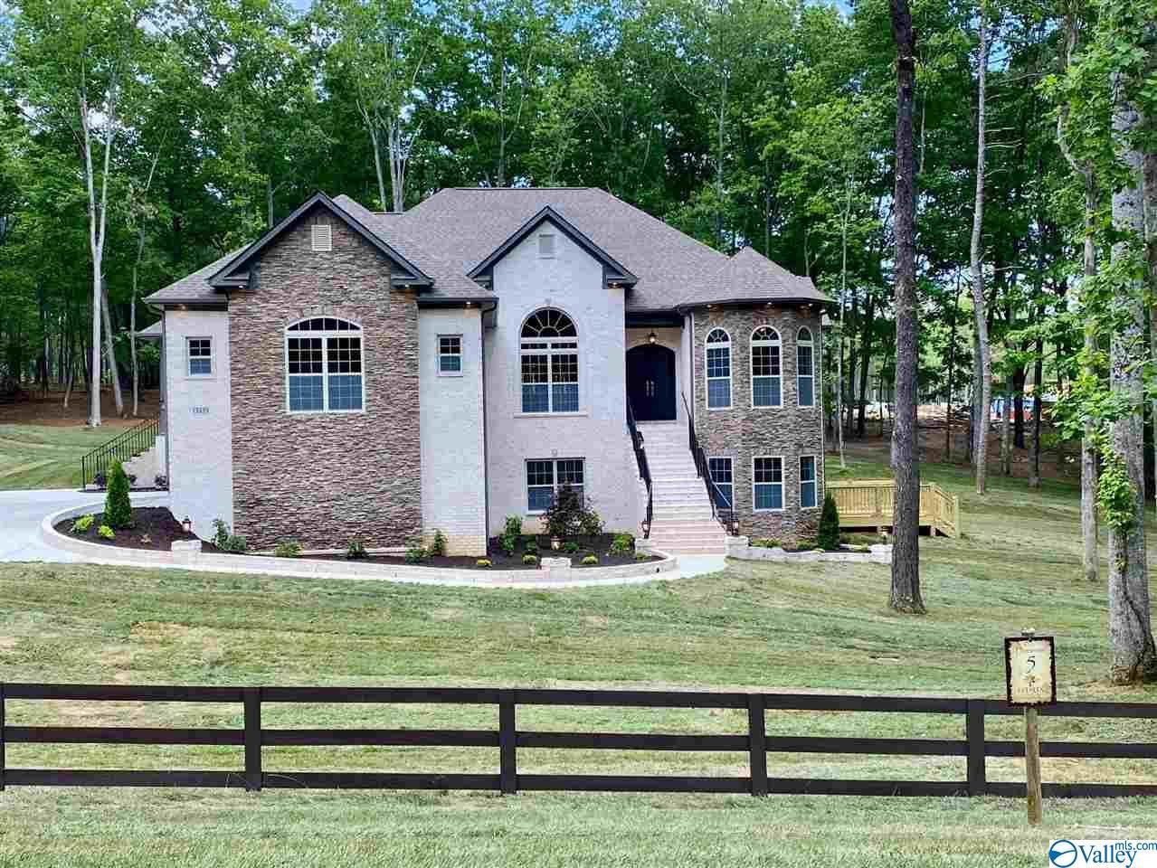 Property for sale at 13339 South Village Square Road, Huntsville,  Alabama 35803