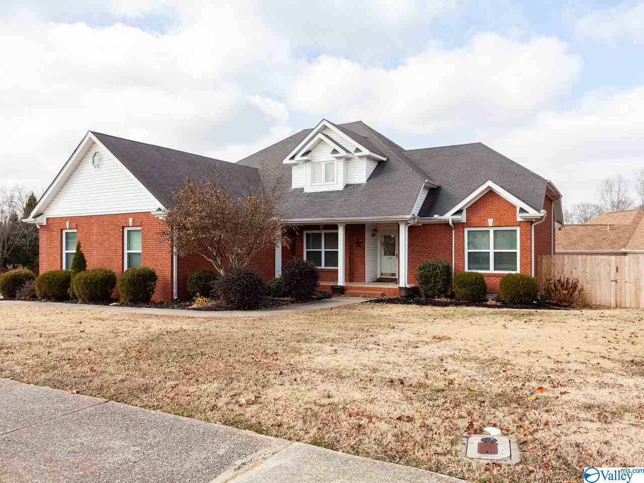 Photo of home for sale at 100 Tea Party Circle, Madison AL