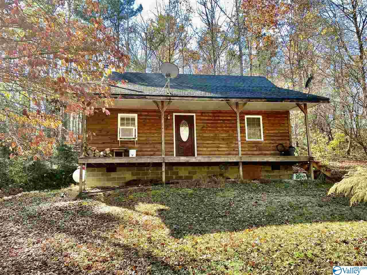 Photo of home for sale at 405 County Road 730, Cedar Bluff AL
