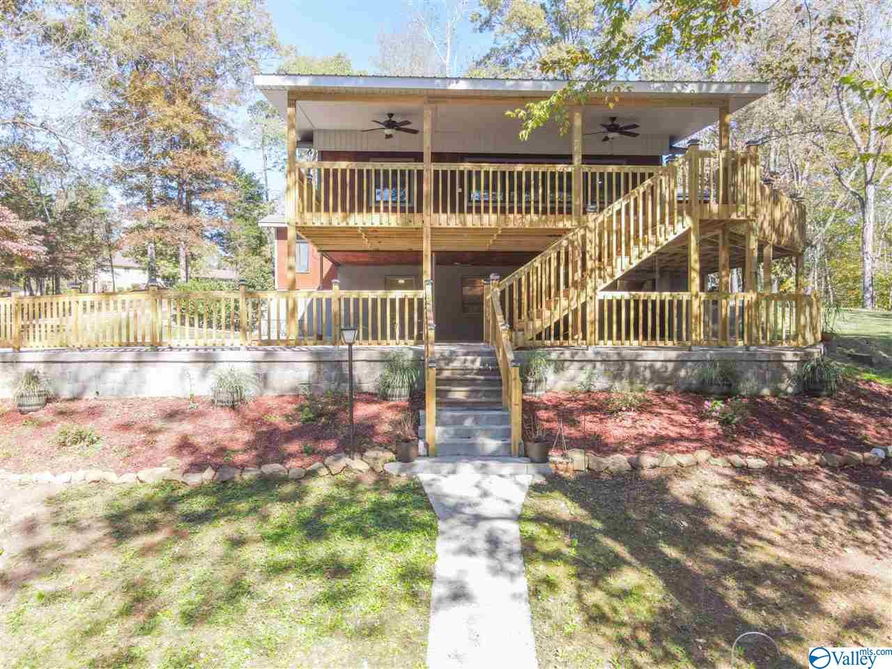 Photo of home for sale at 1901 York Drive, Rogersville AL