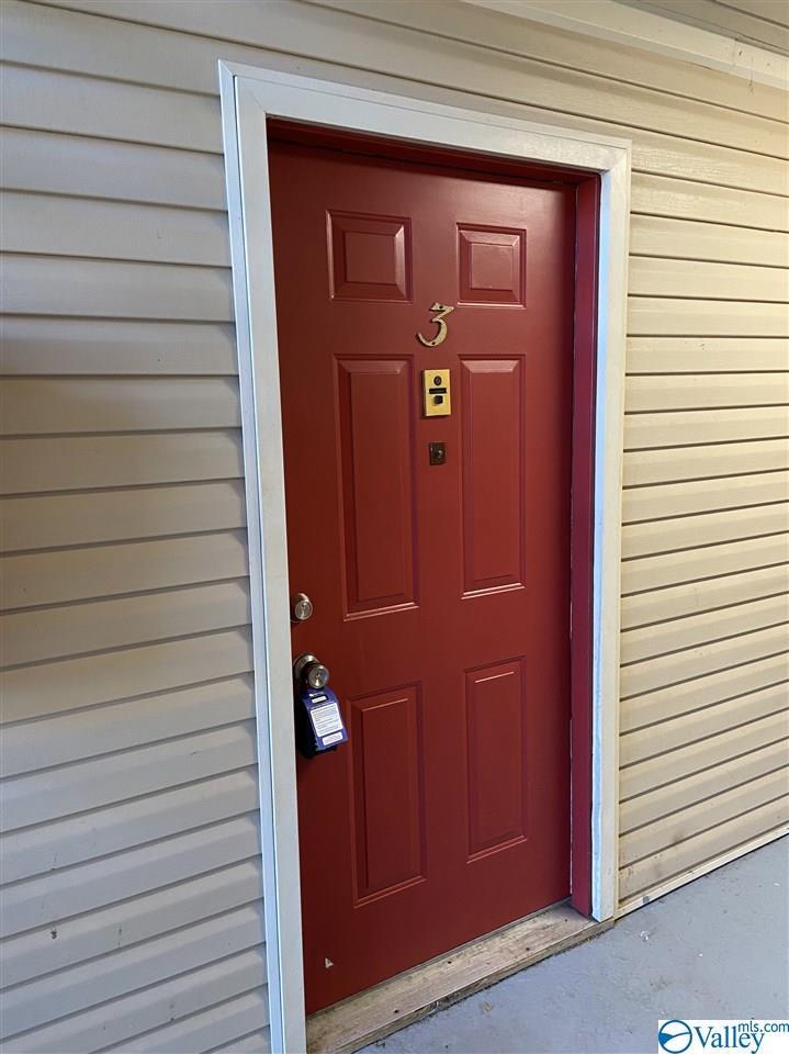 Photo of home for sale at 4525 Judith Lane, Huntsville AL