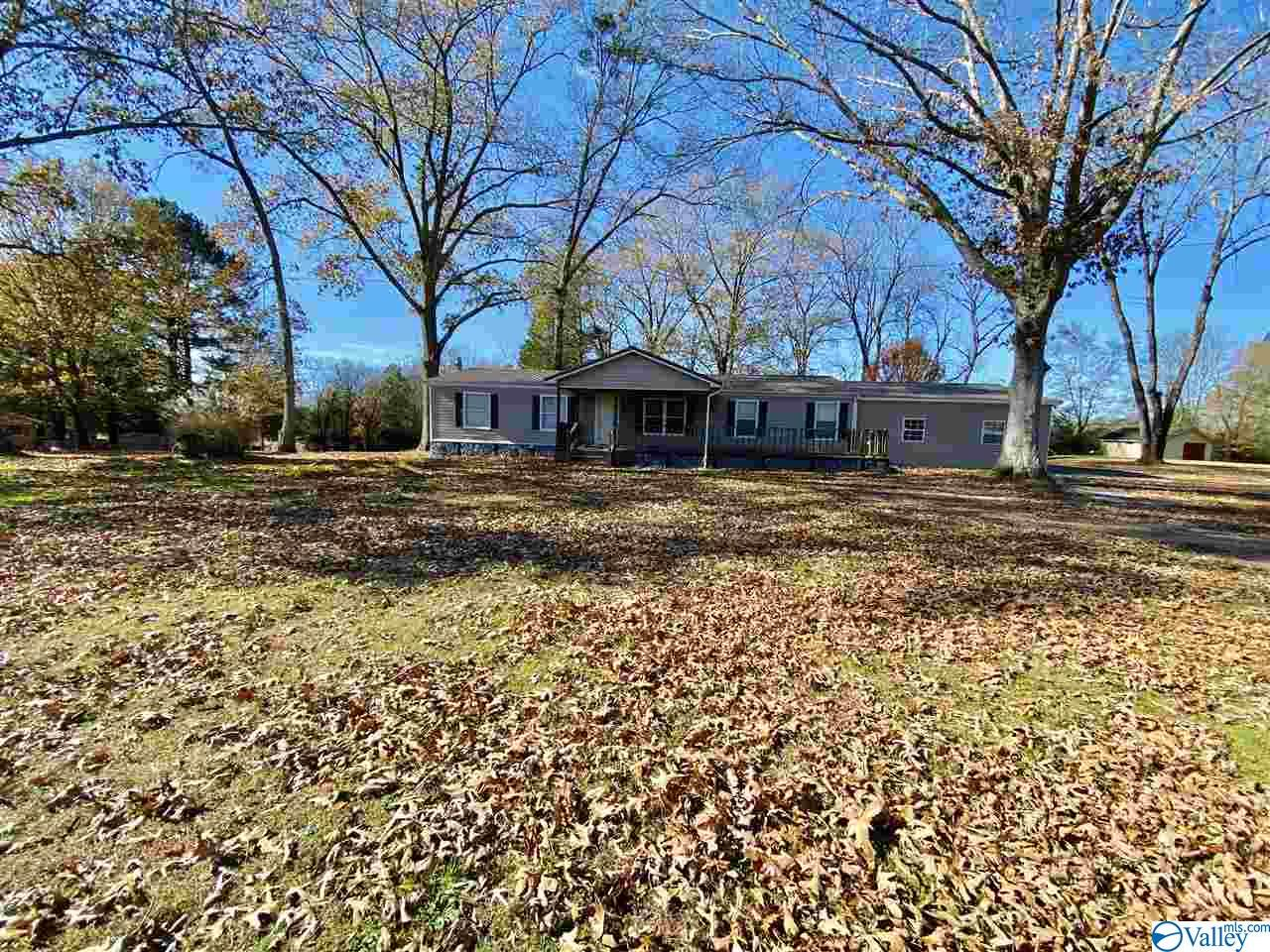 Photo of home for sale at 7978 County Road 236, Town Creek AL