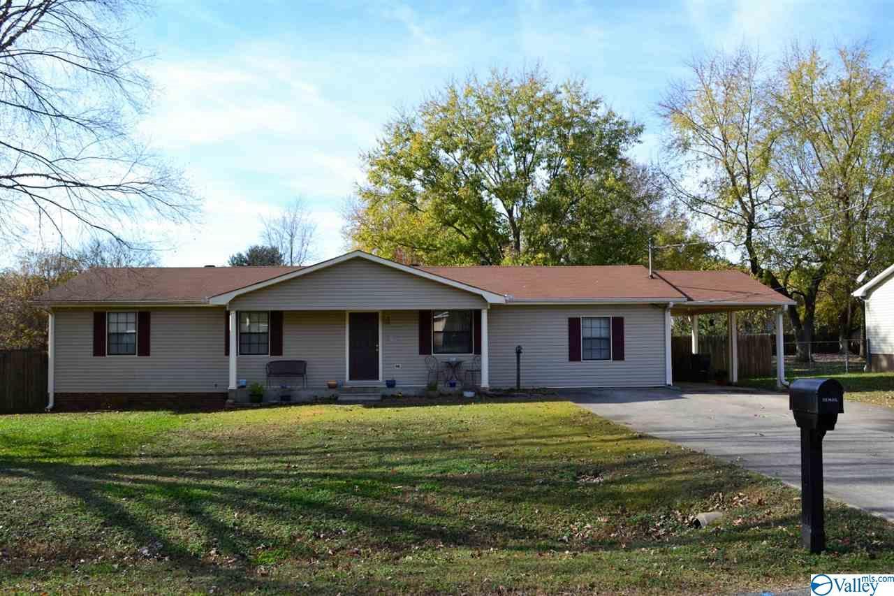 Photo of home for sale at 136 Vasser Circle, Harvest AL