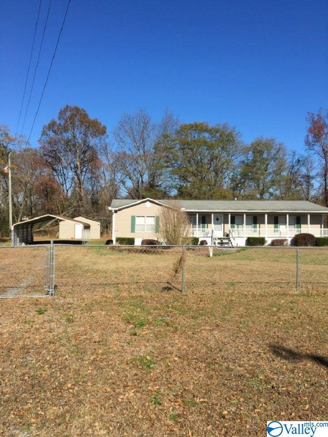 Photo of home for sale at 172 Kinney Road, Boaz AL