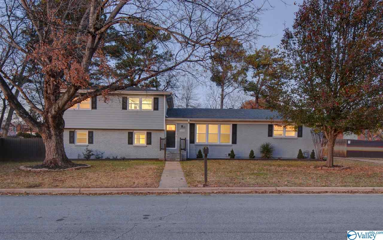Photo of home for sale at 2203 Sockwell Drive, Huntsville AL