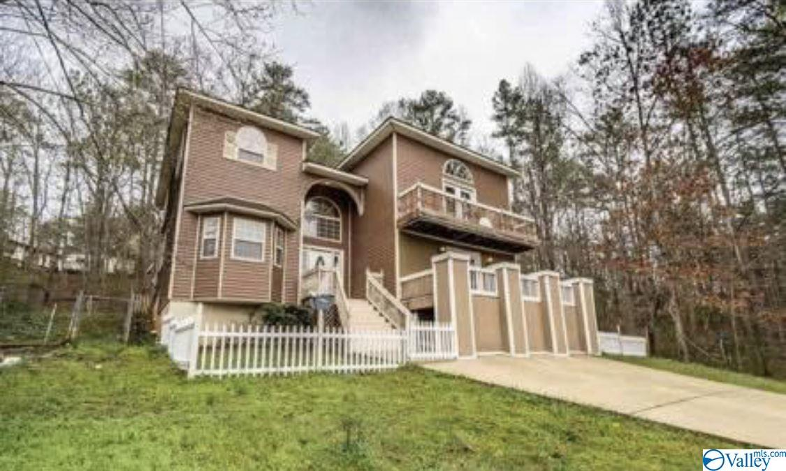Photo of home for sale at 4062 Plains Avenue, Fort Payne AL