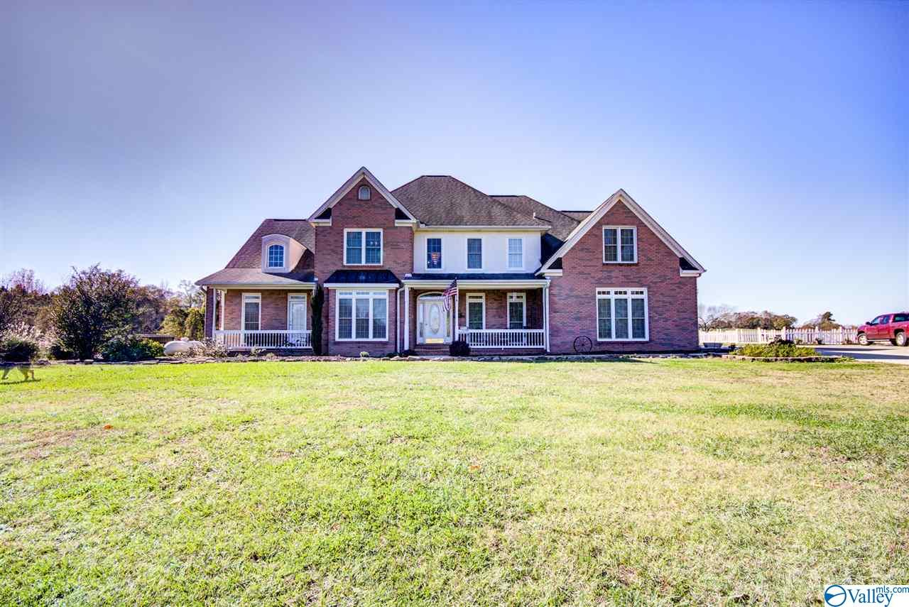 Photo of home for sale at 495 County Road 301, Trinity AL
