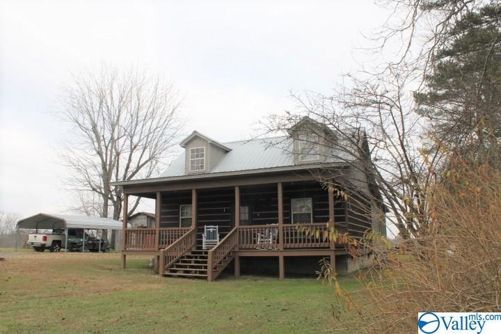Photo of home for sale at 963 County Road 641, Mentone AL