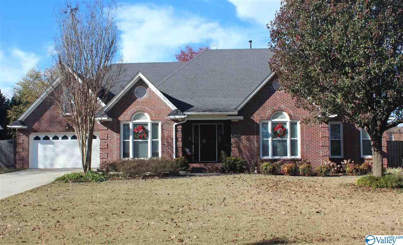 Photo of home for sale at 3303 Cedar Cove, Decatur AL