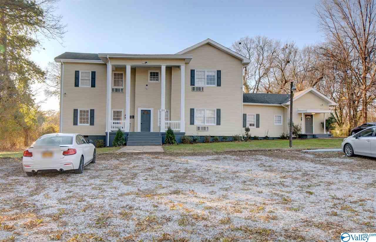 Photo of home for sale at 1013 Magnolia Drive, Huntsville AL