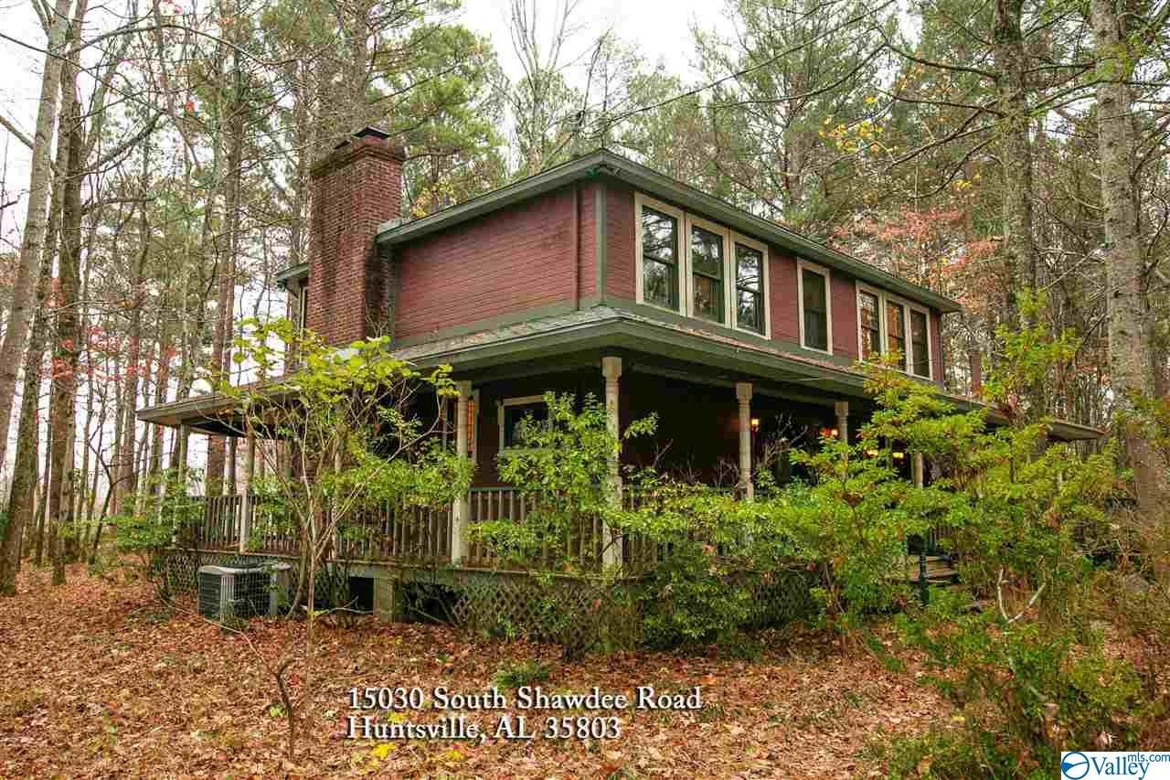 Photo of home for sale at 15030 Shawdee Road, Huntsville AL