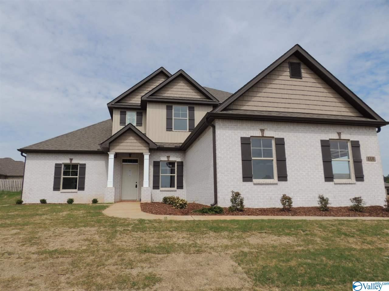 Photo of home for sale at 100 Grip Drive, Hazel Green AL