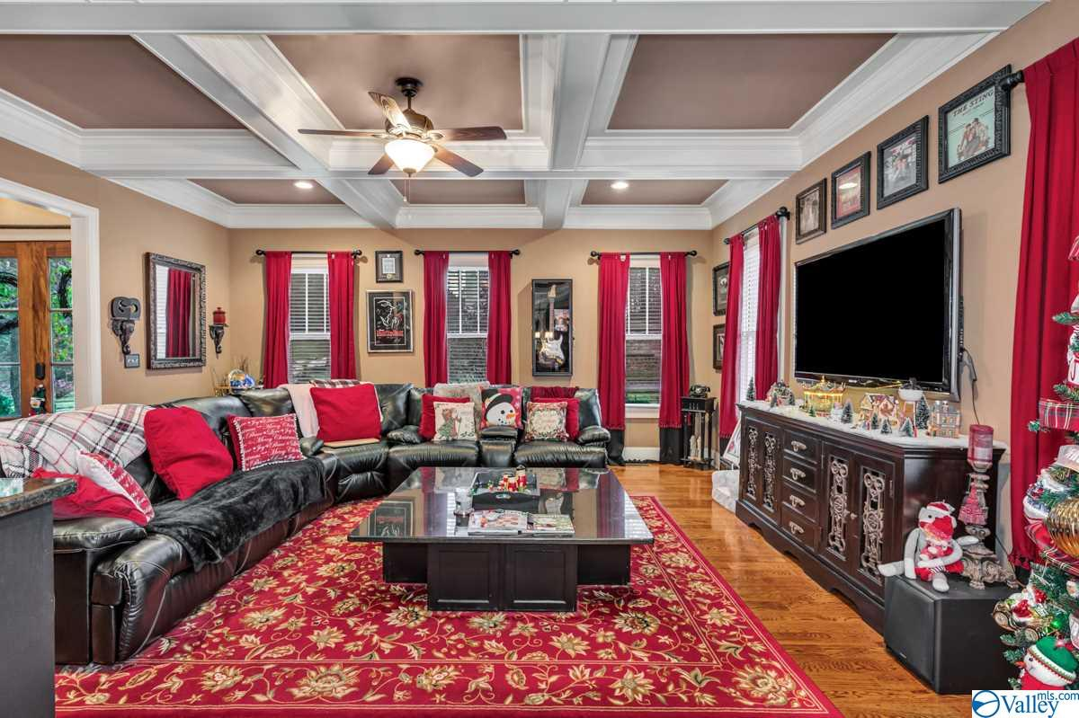 Photo of home for sale at 197 West Lake Circle, Madison AL