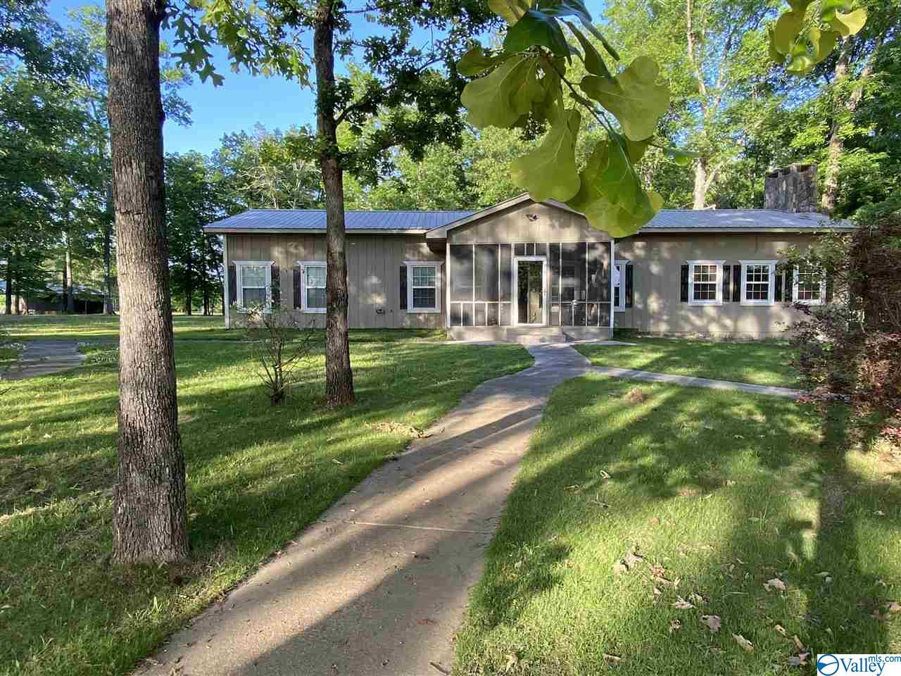 Photo of home for sale at 947 County Road 595, Cedar Bluff AL