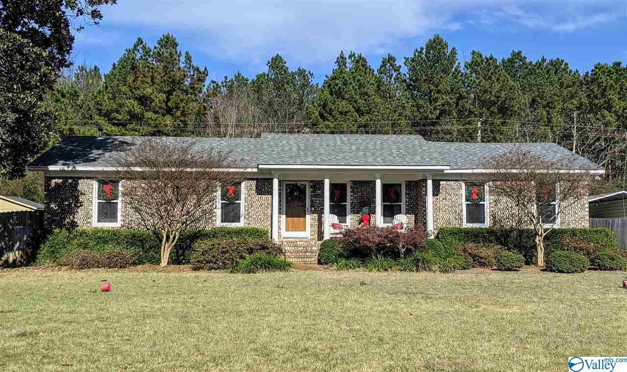 Photo of home for sale at 1308 Alpine Street, Decatur AL
