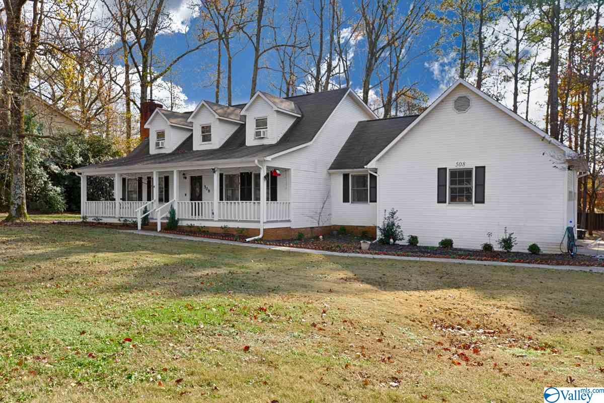 Photo of home for sale at 508 Eastview Drive, Madison AL