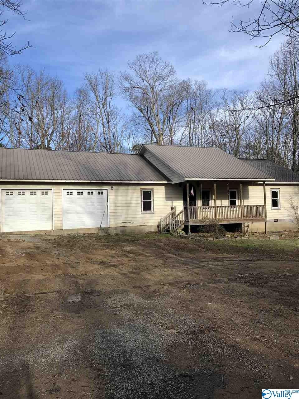 Photo of home for sale at 1857 County Road 642, Mentone AL