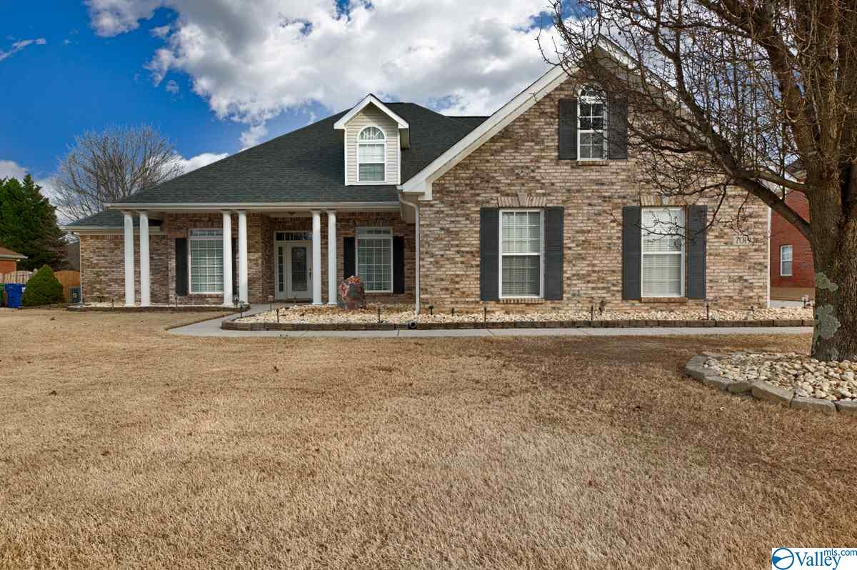 Photo of home for sale at 7019 Greystone Lane, Owens Cross Roads AL