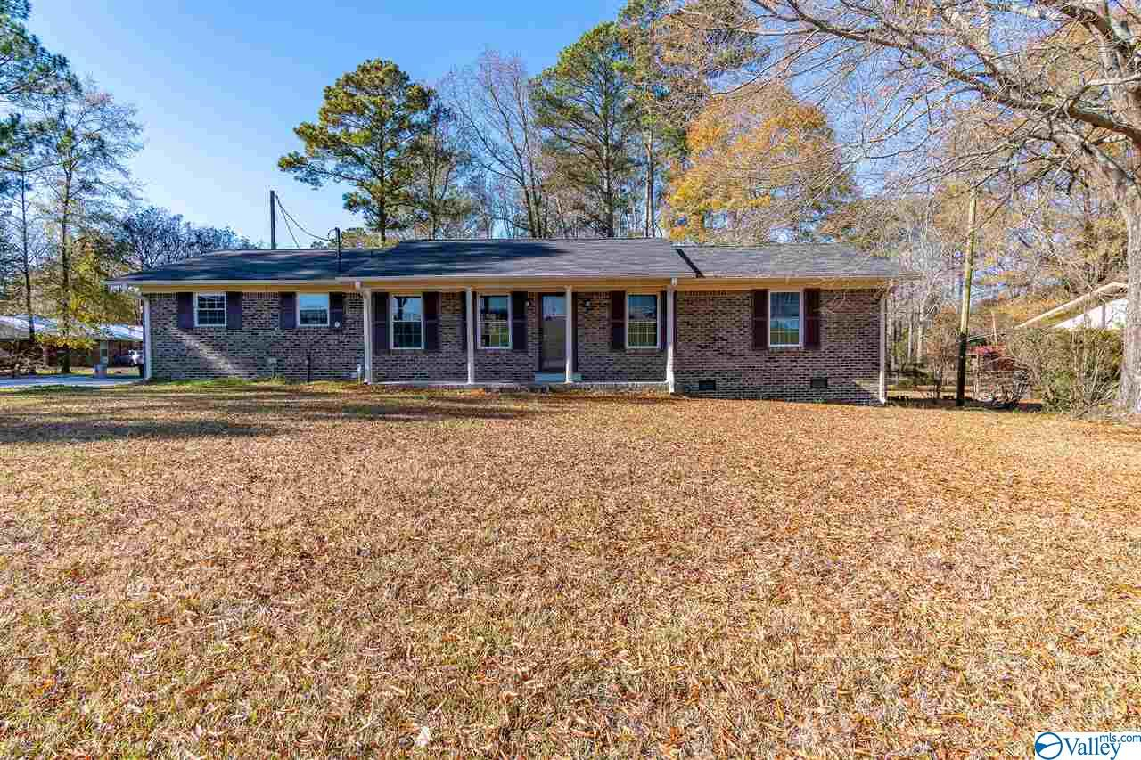 Photo of home for sale at 222 Golf Course Road, Cullman AL