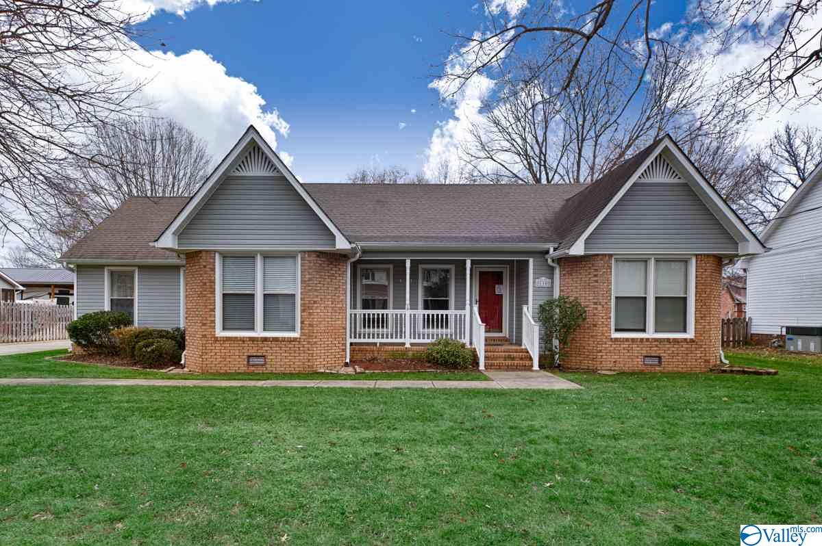 Photo of home for sale at 110 Madison Point Place, Madison AL