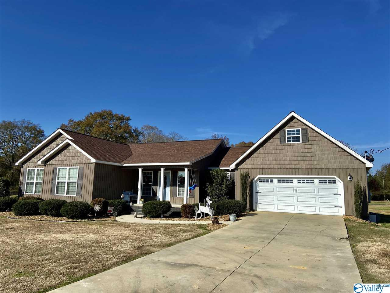 Photo of home for sale at 195 County Road 307, Centre AL