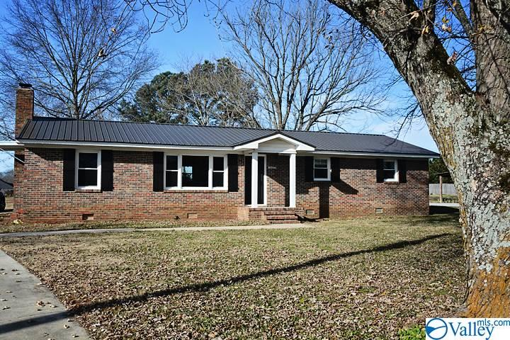 Photo of home for sale at 18277 East Limestone Road, Athens AL