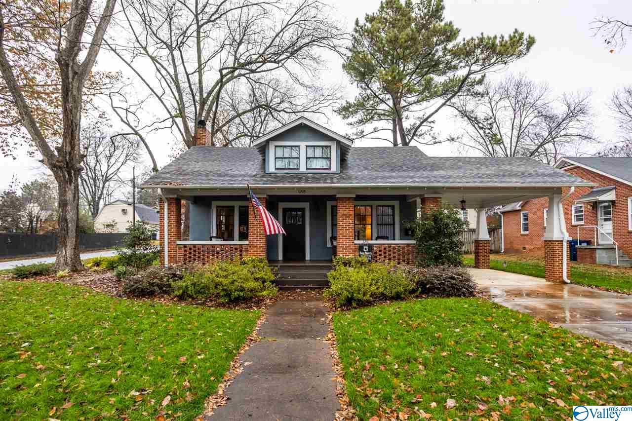 Photo of home for sale at 1203 Ward Avenue, Huntsville AL