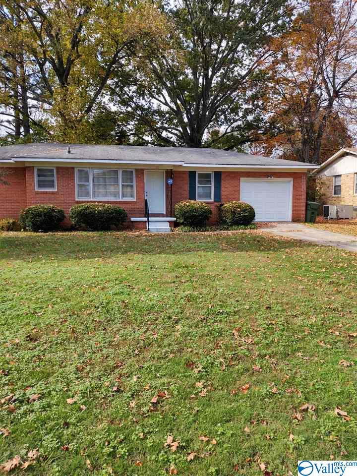 Photo of home for sale at 2210 Euclid Road, Huntsville AL