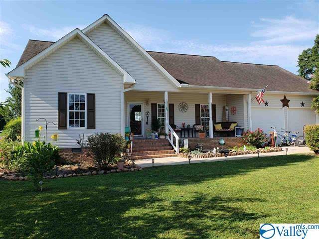 Photo of home for sale at 2209 Fox Run Road, Scottsboro AL