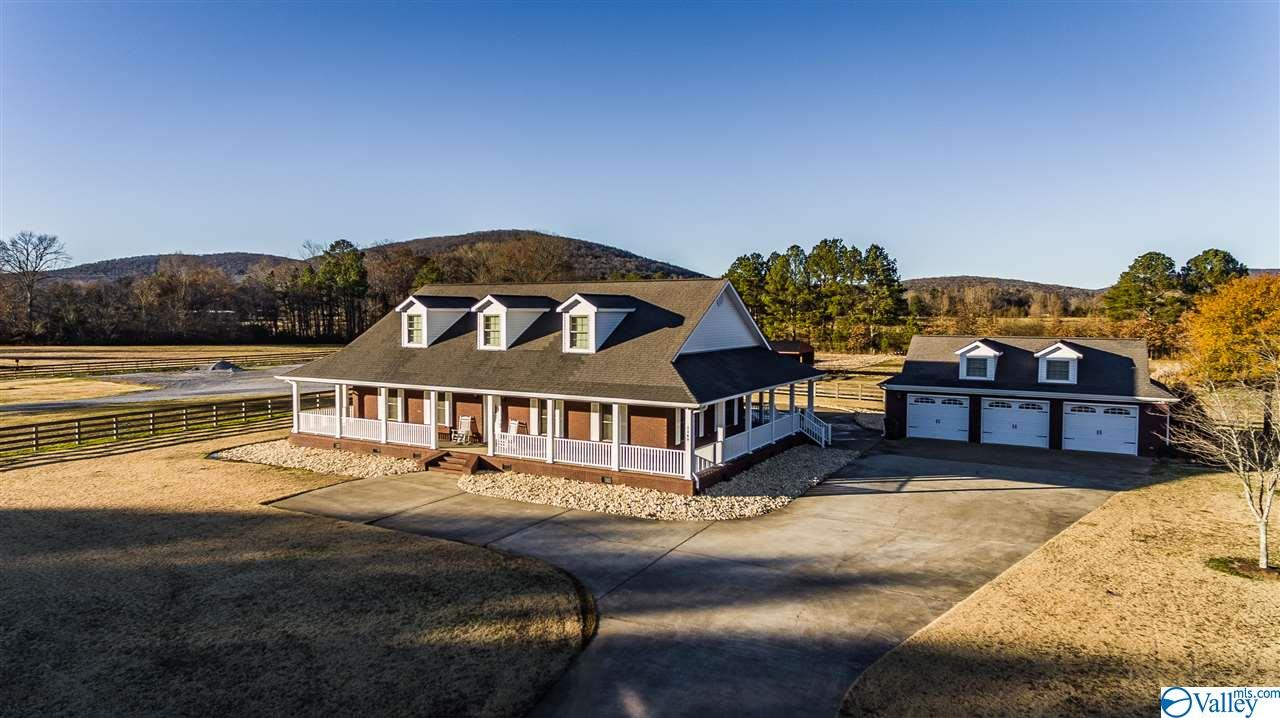Property for sale at 1149 Cave Springs Road, Owens Cross Roads,  Alabama 35763