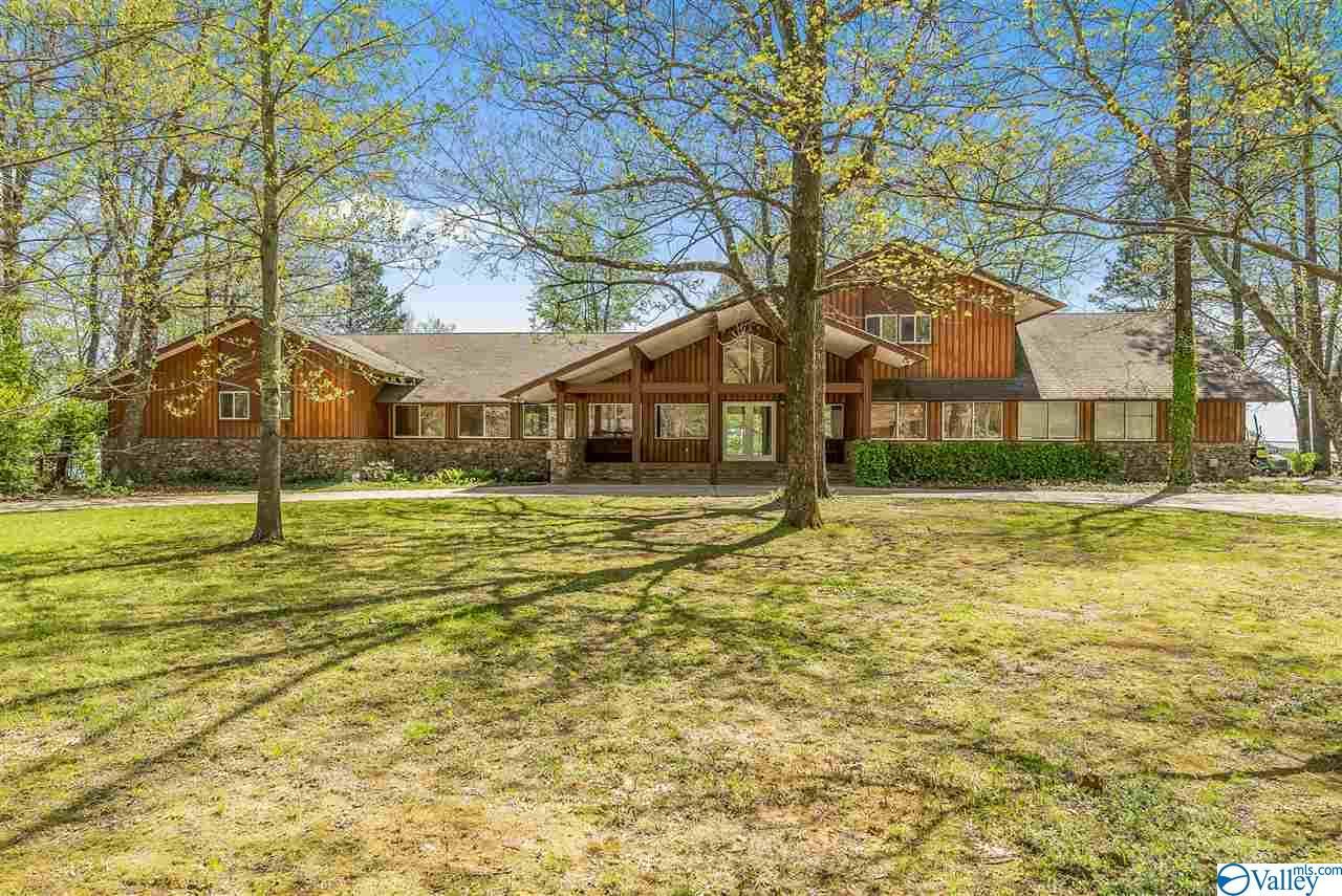 Property for sale at 3420 Panorama Drive, Huntsville,  Alabama 35801
