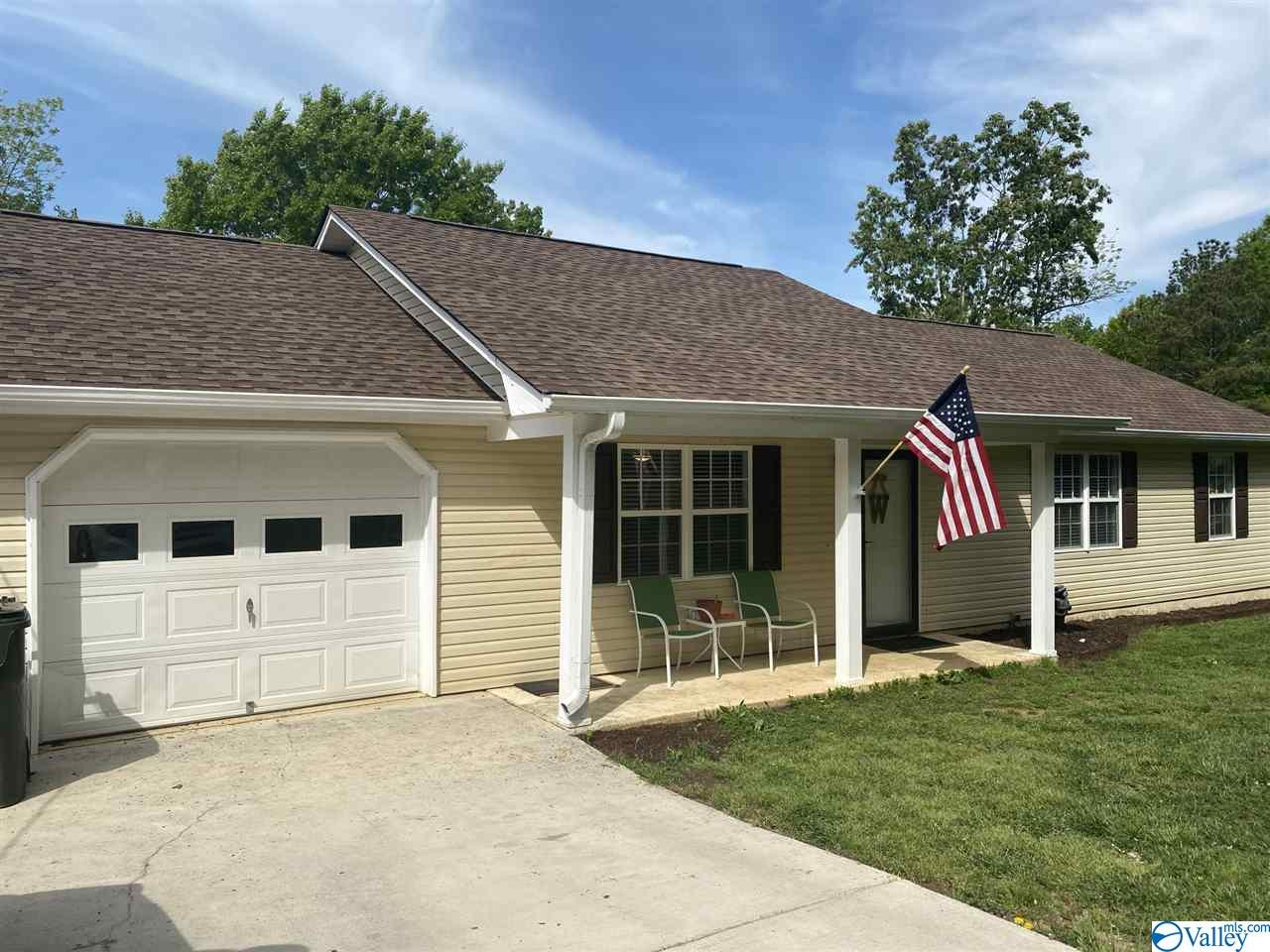 Super cute 3 bedroom, 2 bath home located less than 1.5 miles to New Hope Schools. Newer deck on the back and a large backyard that affords privacy.
