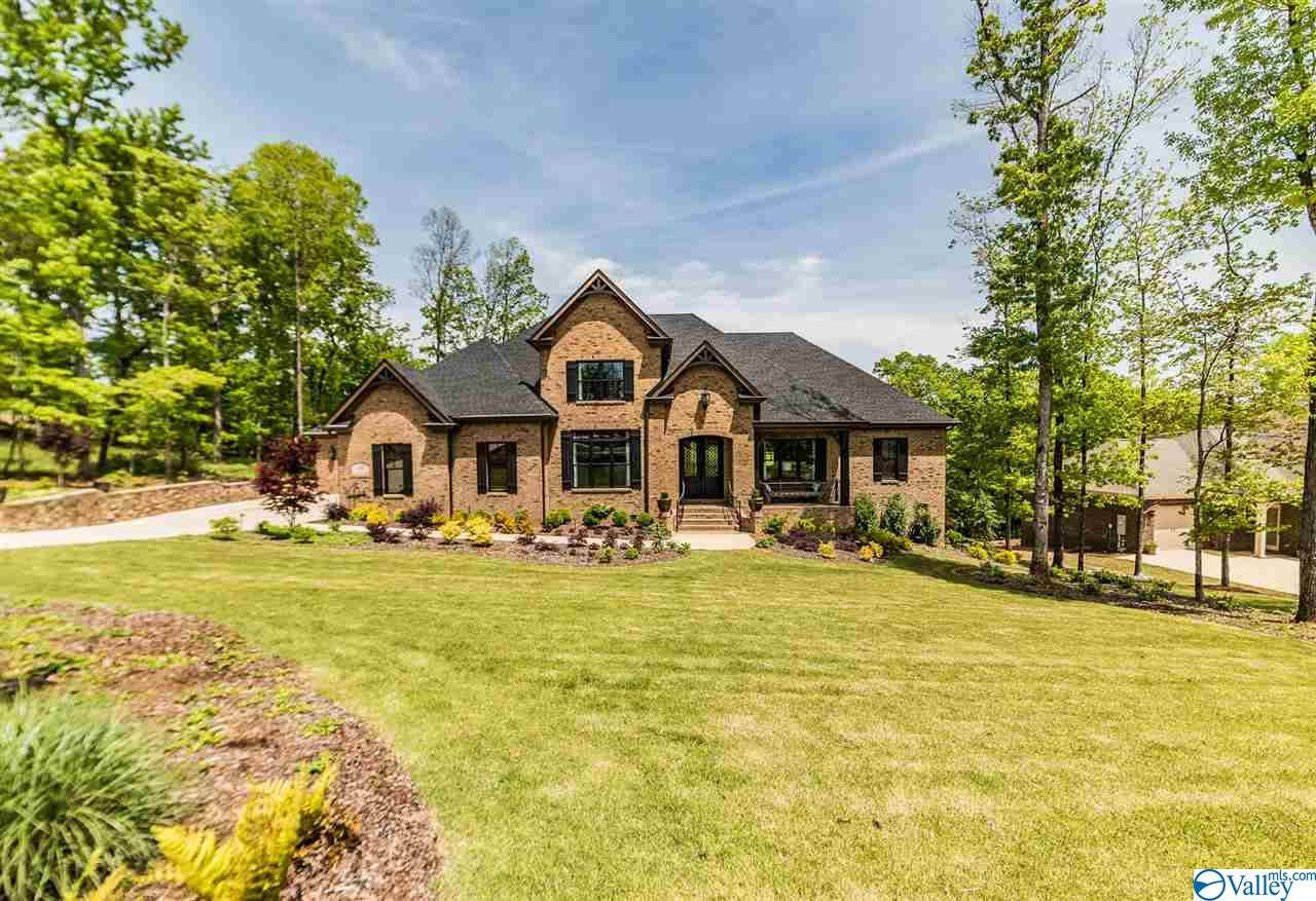 Property for sale at 10 Watson Grande Way, Owens Cross Roads,  Alabama 35763