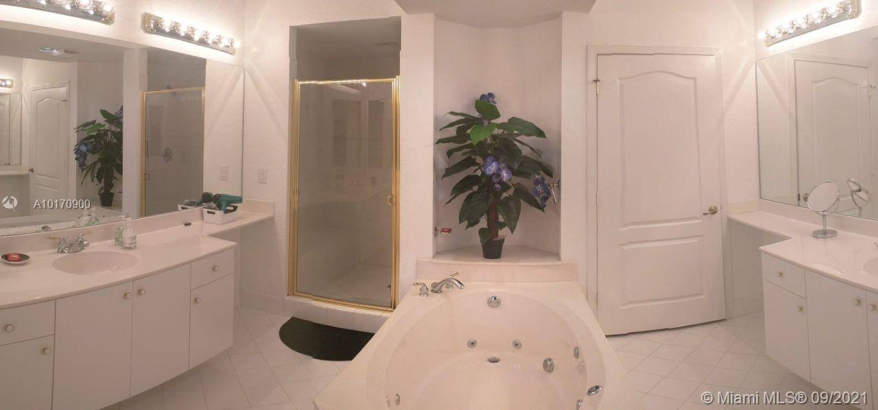 10710 NW 66th St #202 photo05