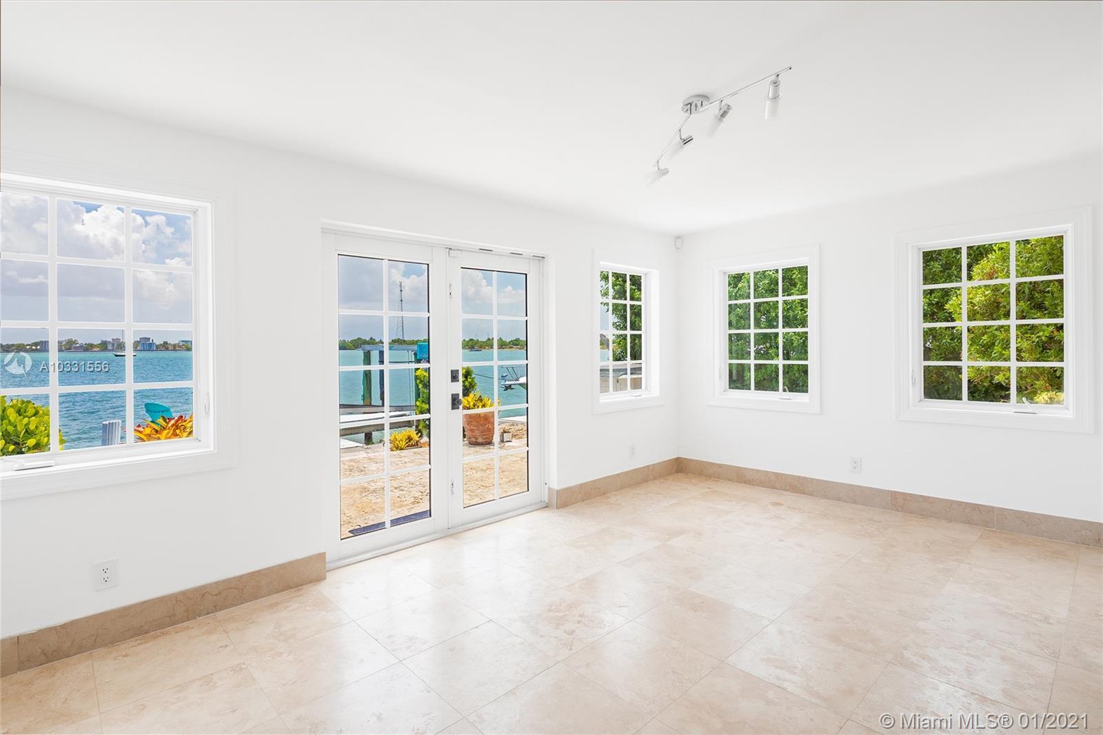 7530 Miami View Dr photo010