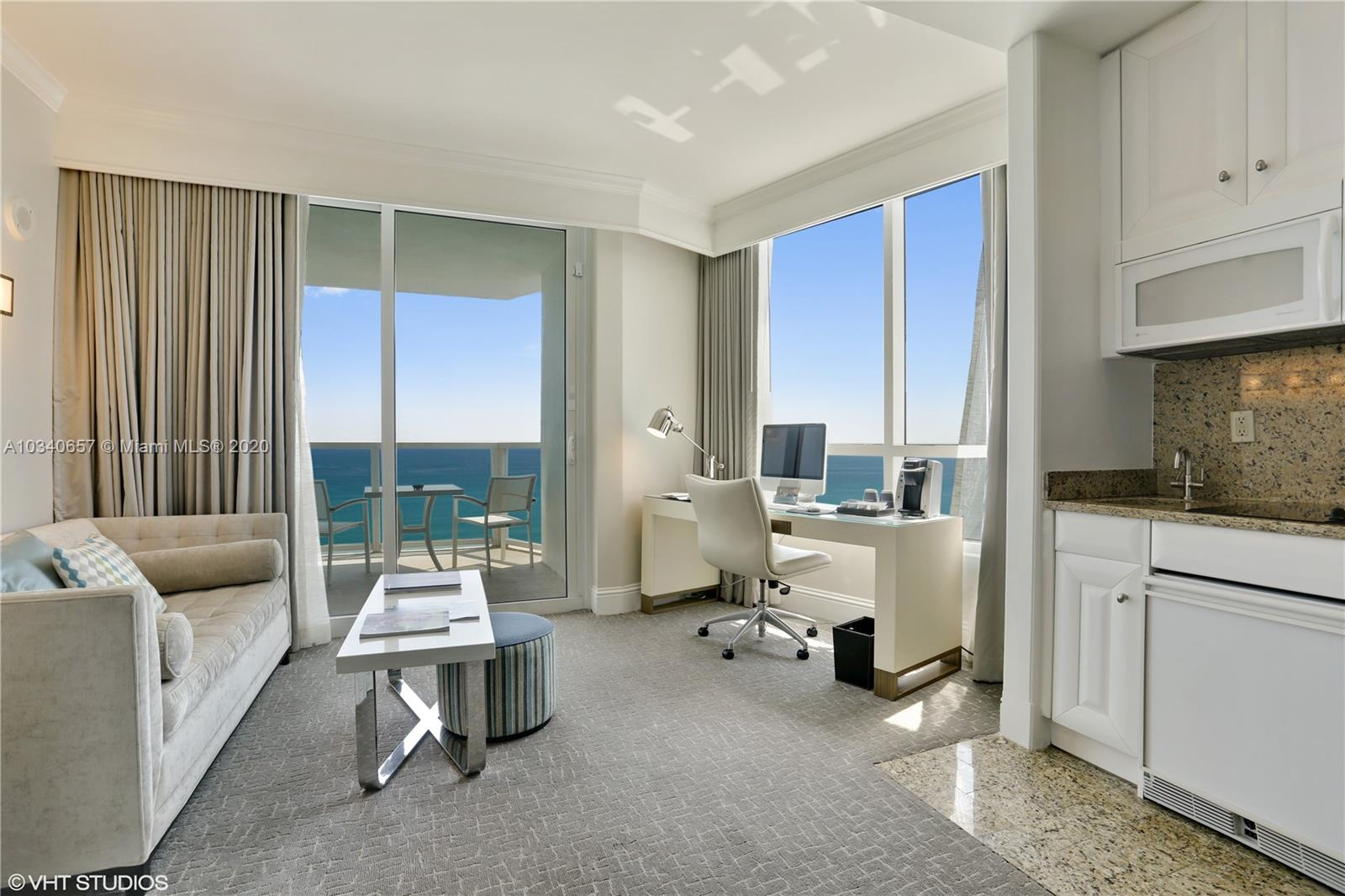 Fontainebleau Tresor #3102 - 4401 COLLINS AV #3102, Miami Beach, FL 33140