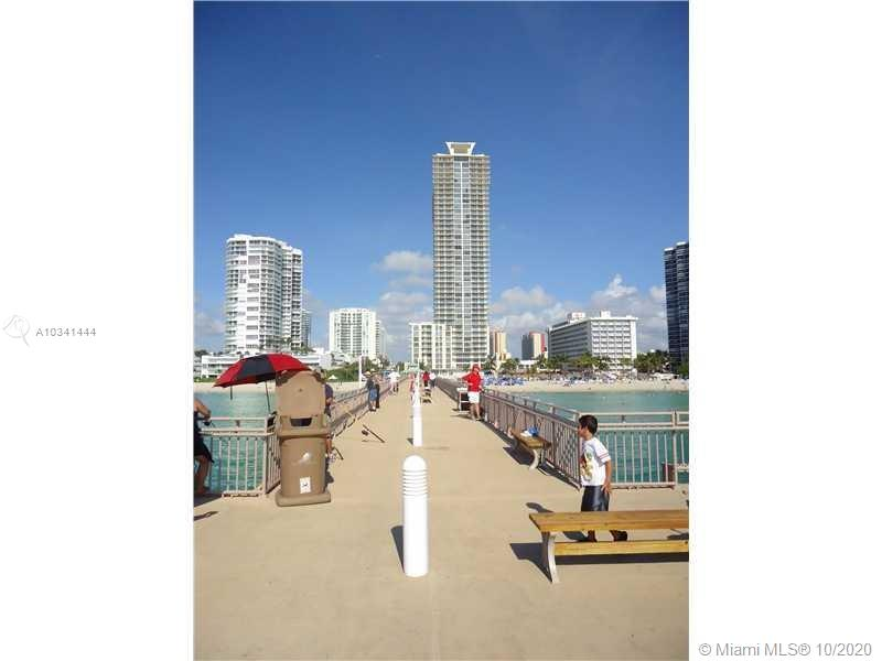 16699 Collins Ave #3304 photo02