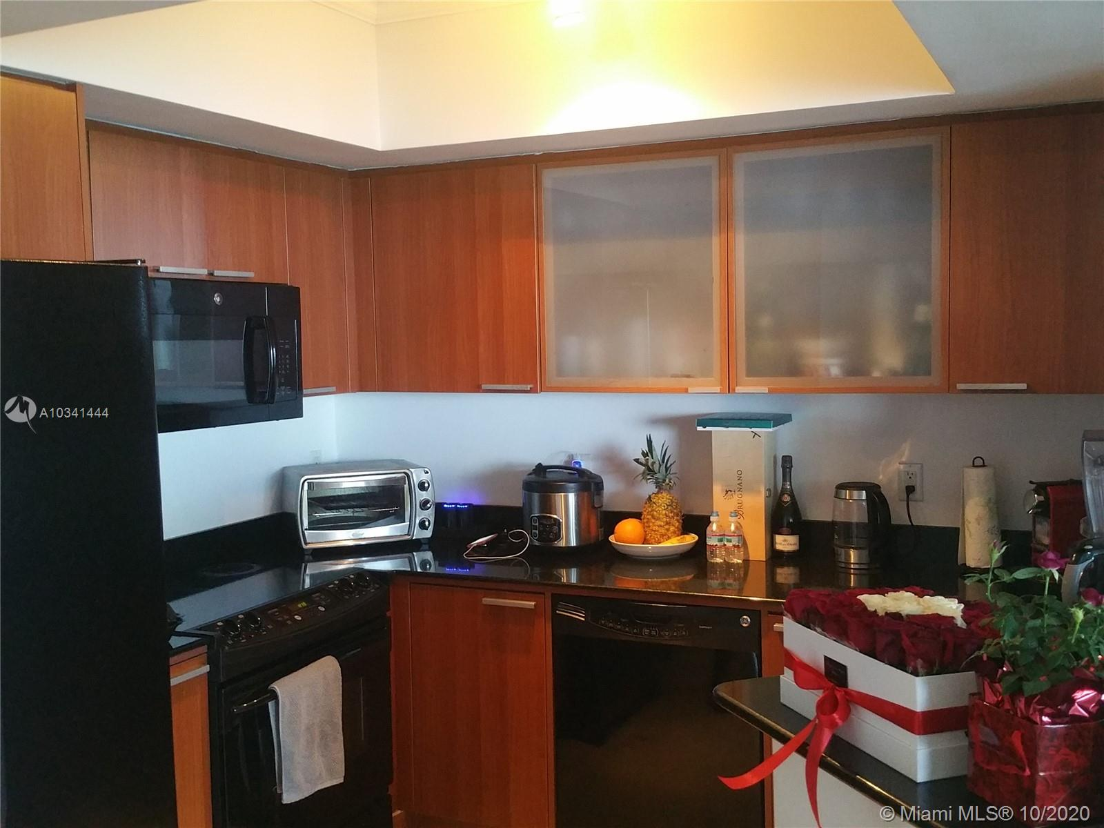 16699 Collins Ave #3304 photo07