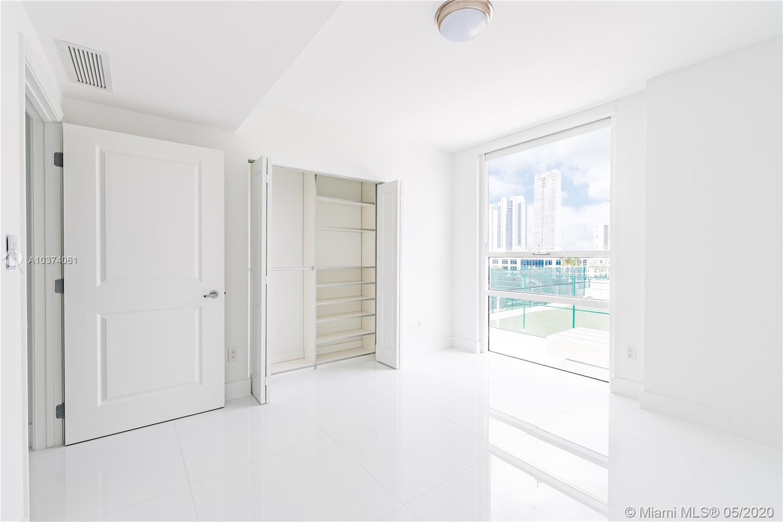 400 Sunny Isles Blvd #722 photo09