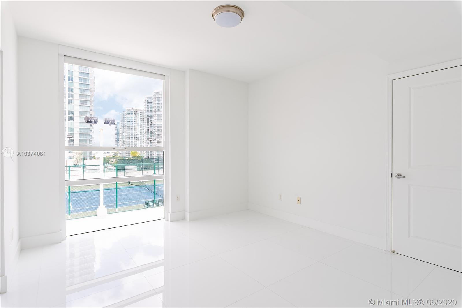 400 Sunny Isles Blvd #722 photo08