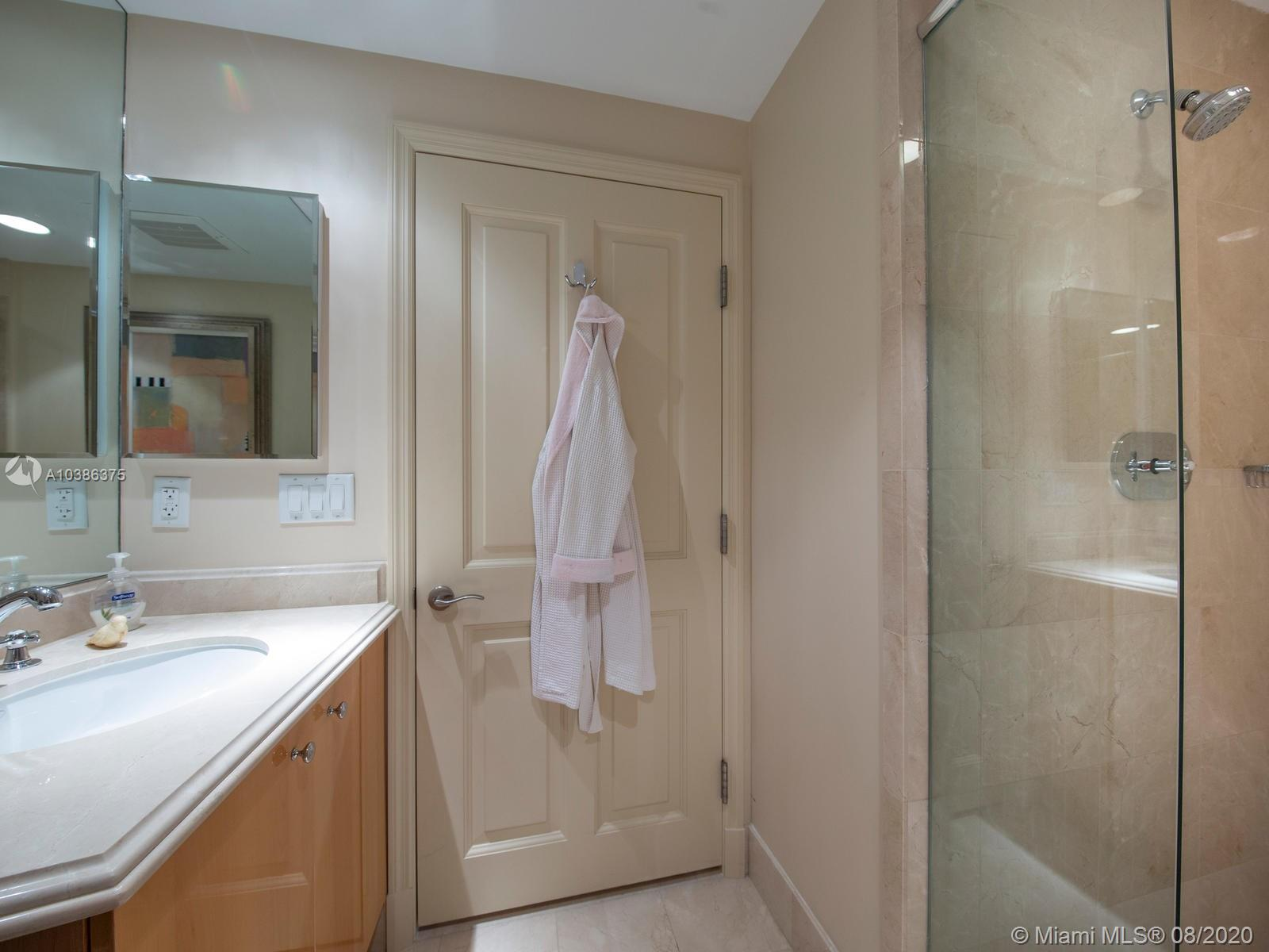 17875 Collins Ave #2305 photo010