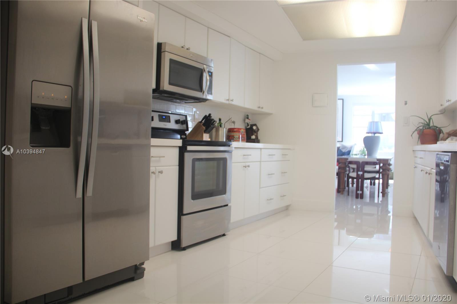 5255 Collins Ave #3C photo07