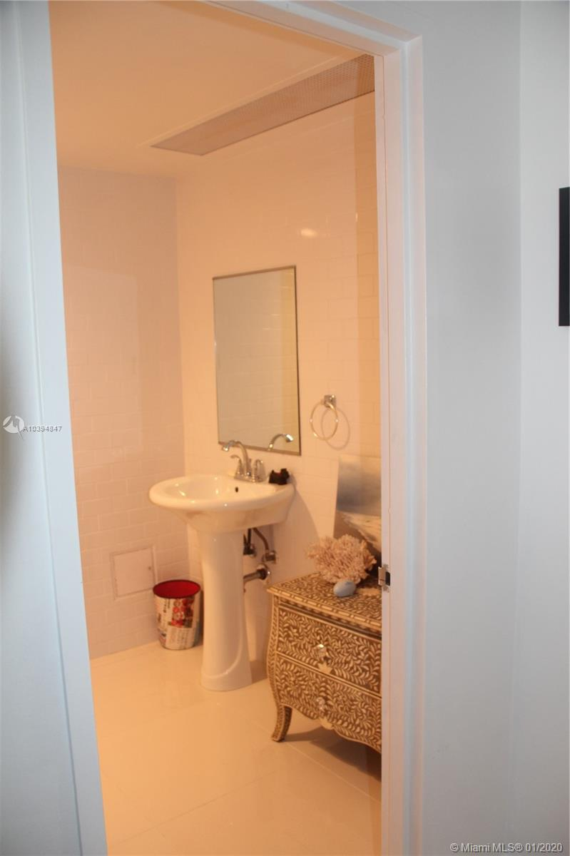 5255 Collins Ave #3C photo09