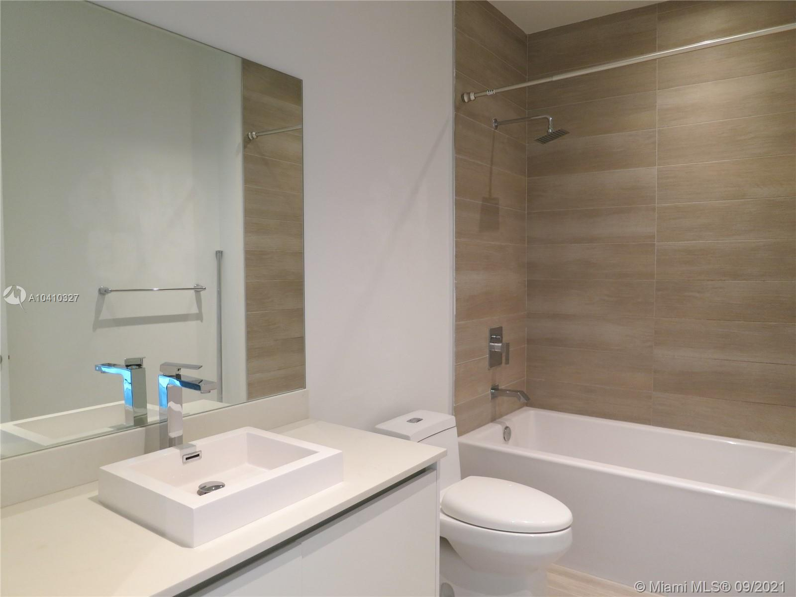 1600 SW 1 Ave #411 photo023