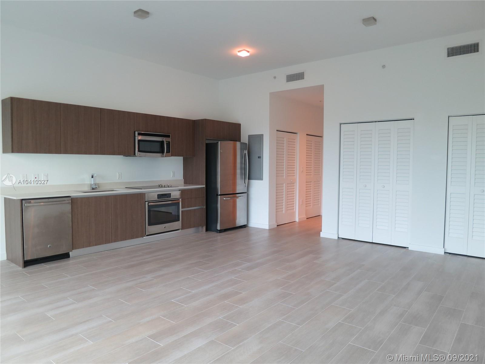 1600 SW 1 Ave #411 photo018