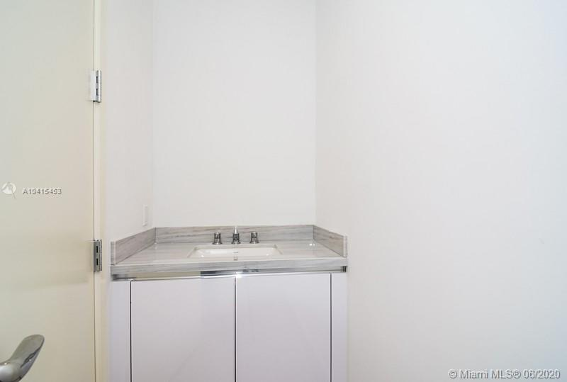 16901 Collins Ave #602 photo010