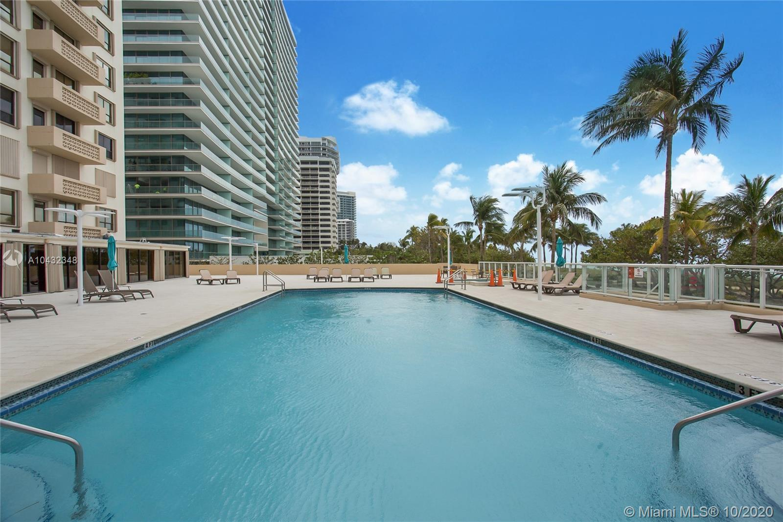 10185 Collins Ave #815 photo018