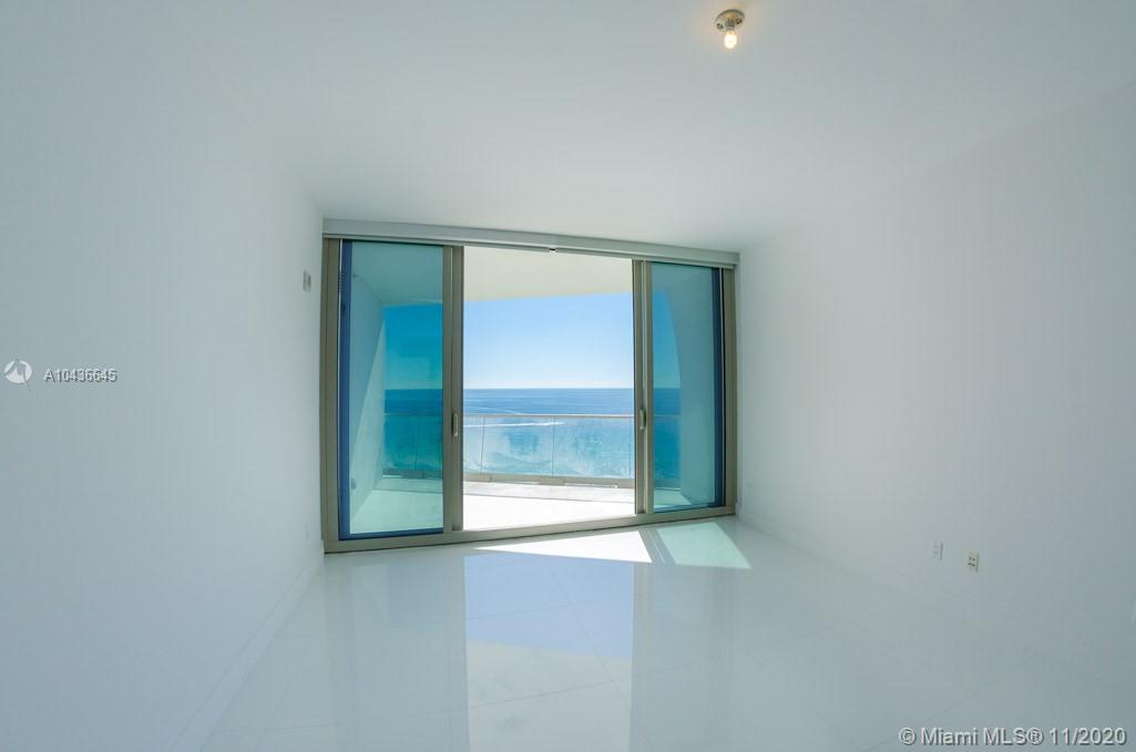 16901 COLLINS AVE #904 photo022