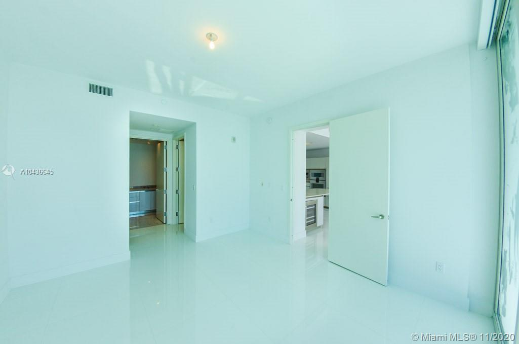 16901 COLLINS AVE #904 photo032