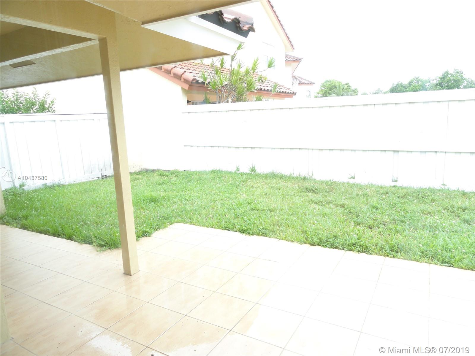 10420 NW 46 ST photo05